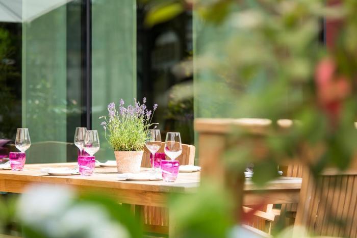 outdoor m bel gastronomie. Black Bedroom Furniture Sets. Home Design Ideas
