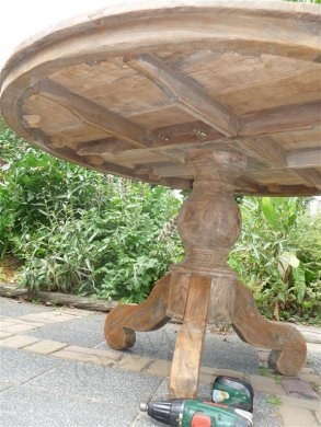 Teak-Tisch rund  Ø 140 cm altes Holz - Bild 3