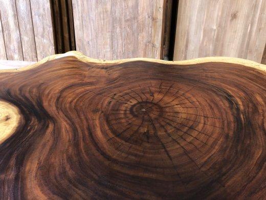 Suar Baumstamm Tisch 120 x 100 Stahlfuss - Bild 5