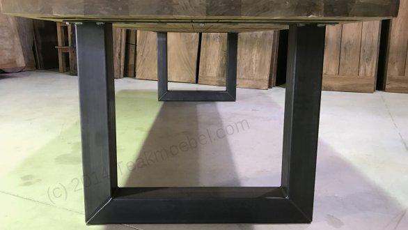 Teak Esstisch 300x100 mit Stahlbeinen - Bild 8