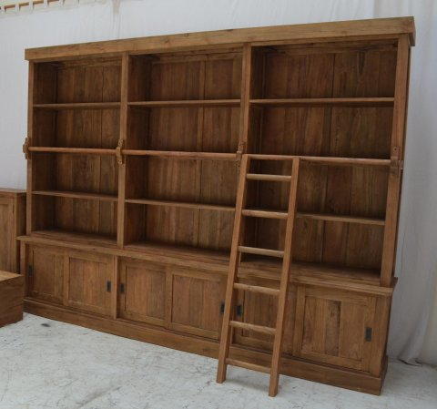 teak schrank mit leiter teakm. Black Bedroom Furniture Sets. Home Design Ideas