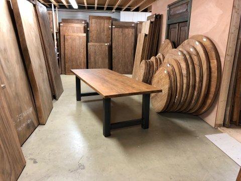 Teak Esstisch Lesung 260x100 mit Stahlbeinen