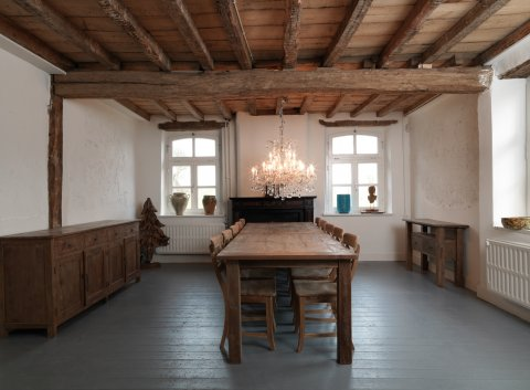 Dingklik Set: Tisch 300x100cm + 10 Stühle + Sidetable + Sideboard