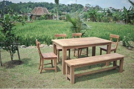 Gartentisch 140x90cm mit 4 Stühle und Bank