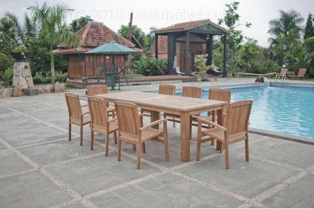 Gartentisch 260x100cm mit 8 Stapelstühle