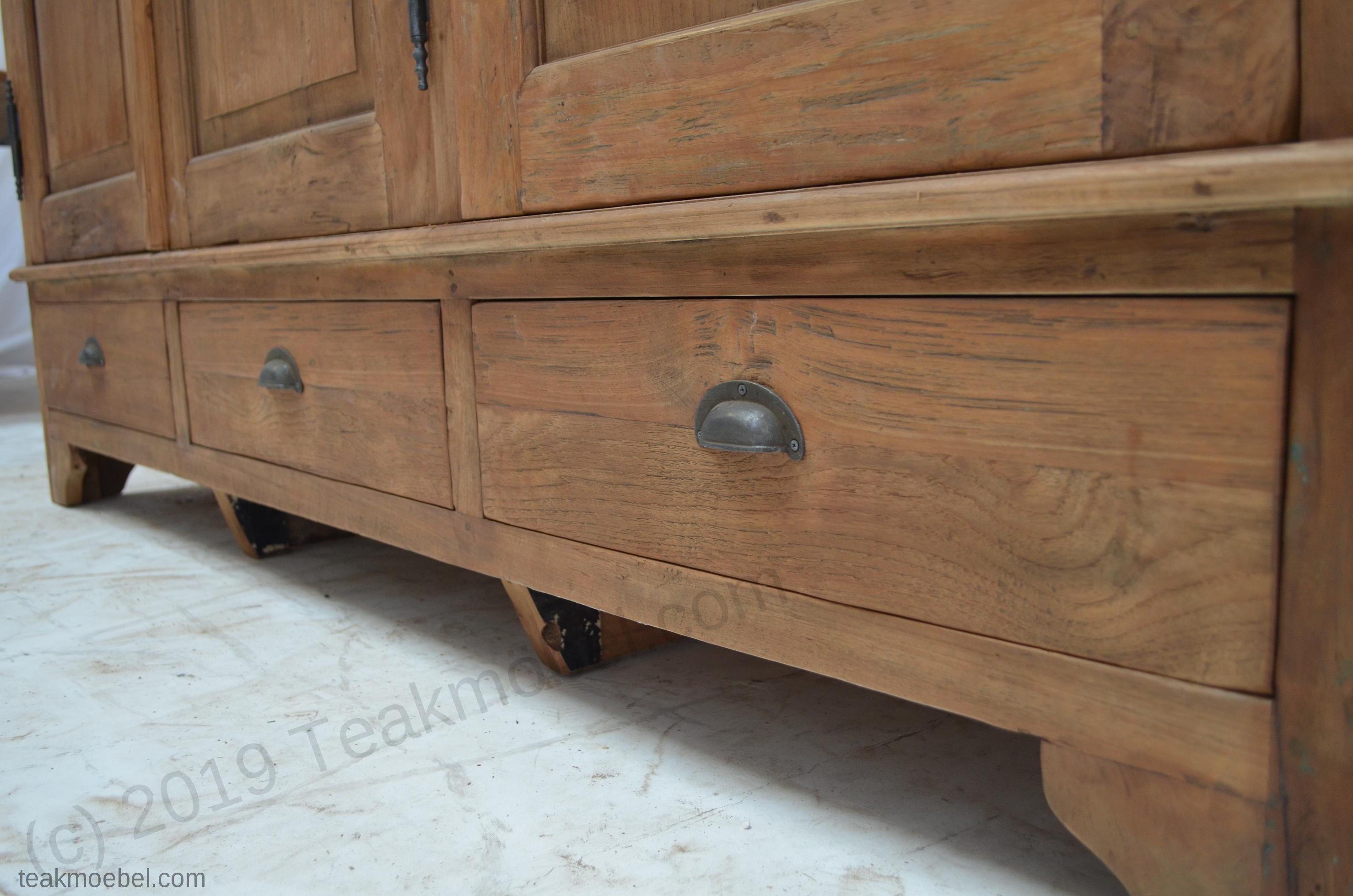 teak schrank 3 t ren rustikal teakm. Black Bedroom Furniture Sets. Home Design Ideas